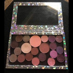 🌸Makeup Geek Eyeshadow Palette🌸 Highly pigmented